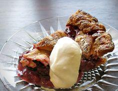 Blackberry Pie Cake Boss Bakeware