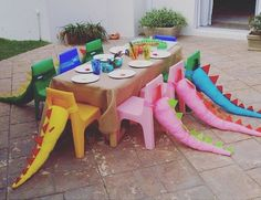 Cute idea for all those little #dinosaur lovers. #dinosaur_party