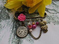 Bronze Owl kilt pin brooch - kitsch, shabby  chic, pink, pearls £4.99