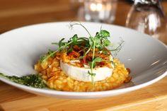 Unser würzig-zartes Parmesan-Kürbisrisotto ✓ leckeres Rezept ✓ Tipps zur Zubereitung ✓ verarbeiten Sie alles von Ihrem Kürbis! ▻ Hier mehr lesen!