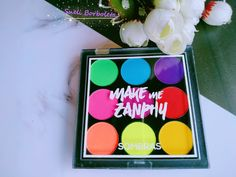 Makeup Eyeshadow Palette, Eye Makeup Brushes, Makeup Kit, Makeup Tools, Sombra Neon, Makeup Hacks Videos, Dont Touch My Phone Wallpapers, Makeup Wallpapers, Makeup Ideas