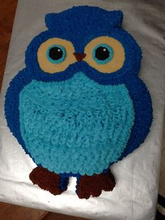 Buttercream frosted Owl Cake