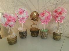 Топиарий из цветов от веточек сакуры