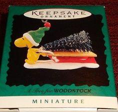 """1996 Hallmark PEANUTS """"A TREE FOR WOODSTOCK"""" Miniature Ornament - NIB MINT"""