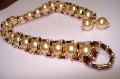 glamorous golden beauty swarovski pearl bracelet