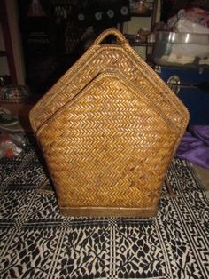 Found this awesome vintage ‪#‎wovenrattan‬ backpack from philipines likely from the 60's. #girlrillavintage