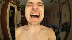 Нашел эпилятор дома! Парень пробует эпиляцию. Удаление волос на груди.