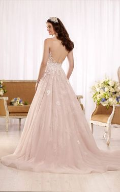 D2126 Ball gown wedding dress with tulle skirt by Essense of Australia