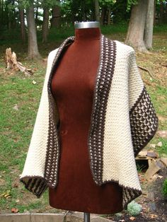This pattern is part of a kit available from Lion Brand. In addition to the yarn and crochet hooks, you will need a stitch marker and a tapestry needle. Crochet Wrap Pattern, Crochet Poncho, Crochet Scarves, Crochet Clothes, Crochet Hooks, Crochet Patterns, Crochet Ideas, Crochet Lion, Crochet Sweaters