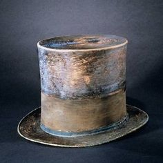 Lincoln's Top Hat (National Museum of American History)He acquired this hat from J. Davis, a Washington hat maker. Lincoln had the black silk mourning band added in remembrance of his son Willie. No one knows when he obtained the hat, or how often. History Photos, World History, History Major, Modern History, Natural History, Black History, Aliens, American History Museum, Post Mortem