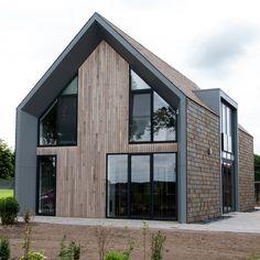 Modern Barn House, Modern House Design, Scandinavian Architecture, Architecture Design, House Front Design, Modern Farmhouse Exterior, Dream House Exterior, Facade House, Building A House