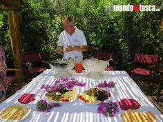 Paolo del Resort Valle dell'Erica #Sardegna (#SantaTeresaGallura) ci accoglie un #aperitivo #Mediterraneo