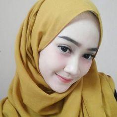 Girl Hijab, Hijab Outfit, Muslim Wedding Dresses, Female Pictures, Hijab Tutorial, Beautiful Hijab, Covergirl, Fashion 2020, Pretty Face