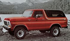 Bronco, Ford's first SUV, turns 50 - Today Pin Ford Serie F, Ford F Series, Ford Trucks, Pickup Trucks, 1978 Ford Bronco, Bicicletas Raleigh, Old Bronco, Garage, Jeep 4x4