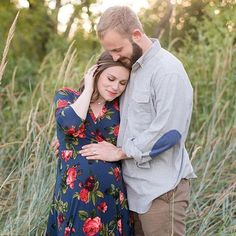 We just LOVE fall and seeing all our beautiful expecting mamas wearing PinkBlush in their maternity photos! Keep the photos coming and make sure to use the hashtag #shoppinkblush for a chance to be featured on our feed!  PC: @lindsaydavenportphotos @laurenguyphotography Shop this look now by clicking the link in our bio