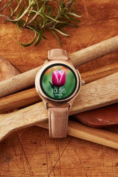 A new spring watch face update for our Q Venture rose gold smartwatch.