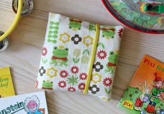 Mini book fabric cover for Pixibücher, Sewing Toys, Baby Sewing, Crochet Blanket Patterns, Crochet Stitches, Sewing For Kids, Diy For Kids, Sewing Tutorials, Sewing Projects, Sewing Ideas