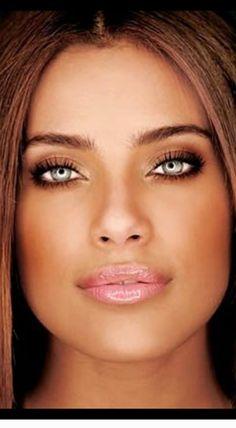 Most Beautiful Faces, Stunning Eyes, Gorgeous Eyes, Beautiful Women, Girl Face, Woman Face, Nude Lip, Blue Eye Makeup, Bright Eyes