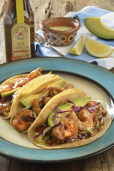Los tacos de camarón en salsa agridulce de tamarindo es una receta fantástica. Deliciosos camarones con una rica salsa agridulce, perfectos para degustar con amigos. Si quieres que la receta quede aún más rica, utiliza Salsa Agridulce de Tamarindo Cocina Mestiza®.