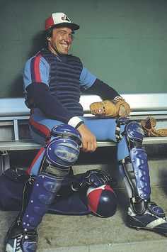 A great catcher, with a bit of a creepy smile, the great Gary Carter, Montreal Expos Expos Baseball, Baseball Games, Baseball Players, Baseball Photos, Hockey, Basketball, Expos Montreal, Of Montreal, Dodgers