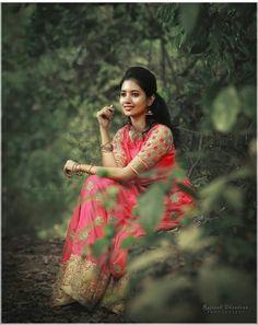 Fashion Model Photography Studios Ideas For 2019 Kerala Wedding Photography, Wedding Couple Poses Photography, Indian Photography, Girl Photography Poses, Photography Studios, Photography Basics, Dark Photography, Beautiful Girl Photo, Cute Girl Photo