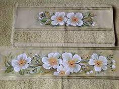 Resultado de imagem para pintura em toalha de lavabo c sabonete pinturas em tecido