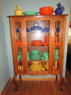 Vintage Fiesta ~ I had the hold collection at one time. They make a wonderful place setting. Quirky Kitchen, Vintage Kitchen, Kitchen Decor, Vintage Cabinet, Cheap Kitchen, Design Kitchen, Yellow Kitchen Cabinets, Kitchen Cabinet Remodel, Kitchen Counters