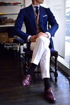 ジャケパン,コーディネイト,オーダーパンツ,トラウザース,ホワイトパンツ,オーダージャケット,オーダースーツ,福岡,北九州,ビスポークスーツ110,bespokeSUIT110 Suit Fashion, Fashion Outfits, Gentleman Style, Fashion Books, Fashion Colours, Stylish Men, Edinburgh, Mens Suits, Casual Chic