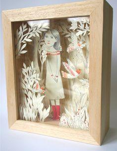 papier découpé dans une petite boîte en bois par PrincesseCamcam