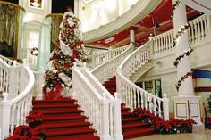 Grand staircase on NCL's Pride of America