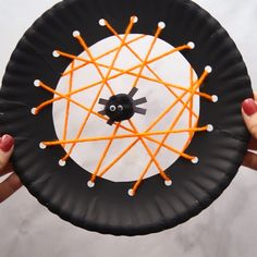 Halloween Spider Crafts for kids - these spider activities for kids are so much . - DIY for home - Halloween spider crafts for kids – these spider activities for kids are so much … - Theme Halloween, Halloween Arts And Crafts, Easy Christmas Crafts, Diy Halloween Decorations, Halloween Diy, Halloween Makeup, Thanksgiving Crafts, Thanksgiving Decorations, Halloween Nails