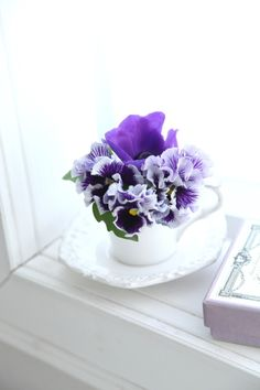 Love Spring. The beauty of flowers.  Purple Spring flowers