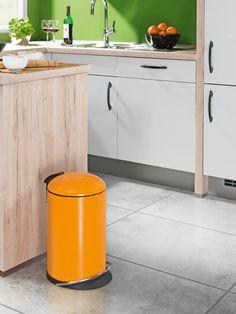 Abfallsammler in Mandarine - spritzig und energiegeladen.
