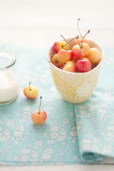 canelle et vanille - food & drink - food - dessert - fruit - rainier cherries