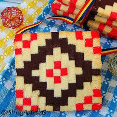 Traditional pattern Cookies made by me for Romanian National Day National Day Holiday, Romanian Food, Romanian Recipes, Gluten Free Pumpkin, Fun Cookies, Easy Desserts, Dessert Recipes, Cool Bars, Halloween Kids