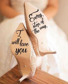 Beautiful idea for wedding, perfect wedding detail!