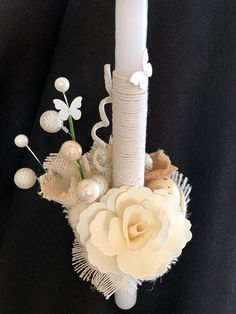 A very classy looking candle, children will love it. A detailed one with burlap around the base, thin wooden flower, burlap everywhere. Church Christmas Decorations, Wedding Unity Candles, Wooden Flowers, Palm Sunday, Easter Crafts, Christening, Crochet Baby, Burlap, Candle Holders