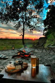 Things To Consider When You Go Camping. So, you've decided to go camping? Do you have any idea of what you may be experiencing? While it's pretty basic to know how to camp, it still takes a littl Relax, My Sun And Stars, Outdoor Living, Outdoor Decor, Jolie Photo, Cabins In The Woods, Photos, Pictures, Happy Hour