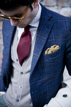 yellow pocket square, blue jacket. A classic