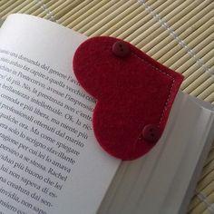 #Felt Heart Bookmark for Valentine's Day - #Segnalibro in #feltro a forma di cuore per San Valentino