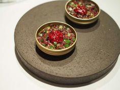 キハダ鮪、見島産胡瓜、木苺マスタード 茄子のキャビア仕立て