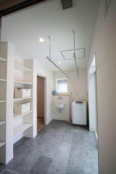 ランドリールーム @  / みどりと風工房 施工実例 Small Room Design, Laundry Room Design, Laundry In Bathroom, Landry Room, Apartment Plans, Home And Deco, My New Room, Living Room Designs, Luxury Homes