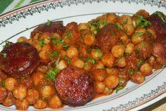 Kolbász paprikás lében – nagyszerű feltét főzelékekhez! - MindenegybenBlog Enchiladas, Chana Masala, Ethnic Recipes, Red Peppers, Life