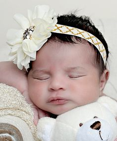 Look at this Gold & Ivory Quatrefoil Headband on #zulily today!