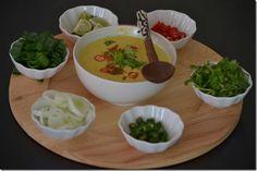Khowse suey. .burmese chicken coconut noodle soup