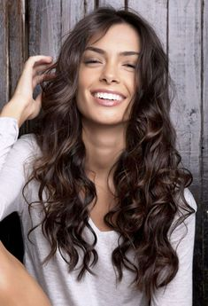Brown hair colors are natural-looking brunette shades for medium to dark skinned women. There are light and dark brown hair colors for 2016 all of which look am Brown Hair Shades, Brown Hair Colors, Darkest Brown Hair Color, Hair Colours, Dark Curly Hair, Shiny Hair, Curly Girl, Dark Brown Long Hair, Rich Brown Hair