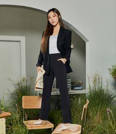 Wheein Mamamoo, Kpop, Fashion, Feminine, Moda, Fashion Styles, Fasion