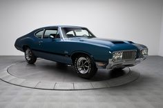 1970 Oldsmobile Cutlass Supreme.  I love an Oldsmobiles.  I had two of them, never had any problems with them.  They're nice looking rides.