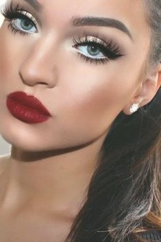 Red Lipstick Makeup Lipstick Heavy Makeup Blue Eye Pencil and Red Lipstick Makeup Red Lips Aesthetic Blue Eye Heavy Lipstick Makeup pencil Red New Year's Makeup, Red Eye Makeup, Red Lipstick Makeup, Heavy Makeup, Red Lipsticks, Latest Makeup, Fall Makeup, Makeup Art, Red Makeup Looks