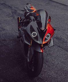 Bike Bmw, Moto Bike, Concept Motorcycles, Cars And Motorcycles, Bmw Electric, Gp Moto, Bmw Motorbikes, Bmw S1000rr, Super Bikes